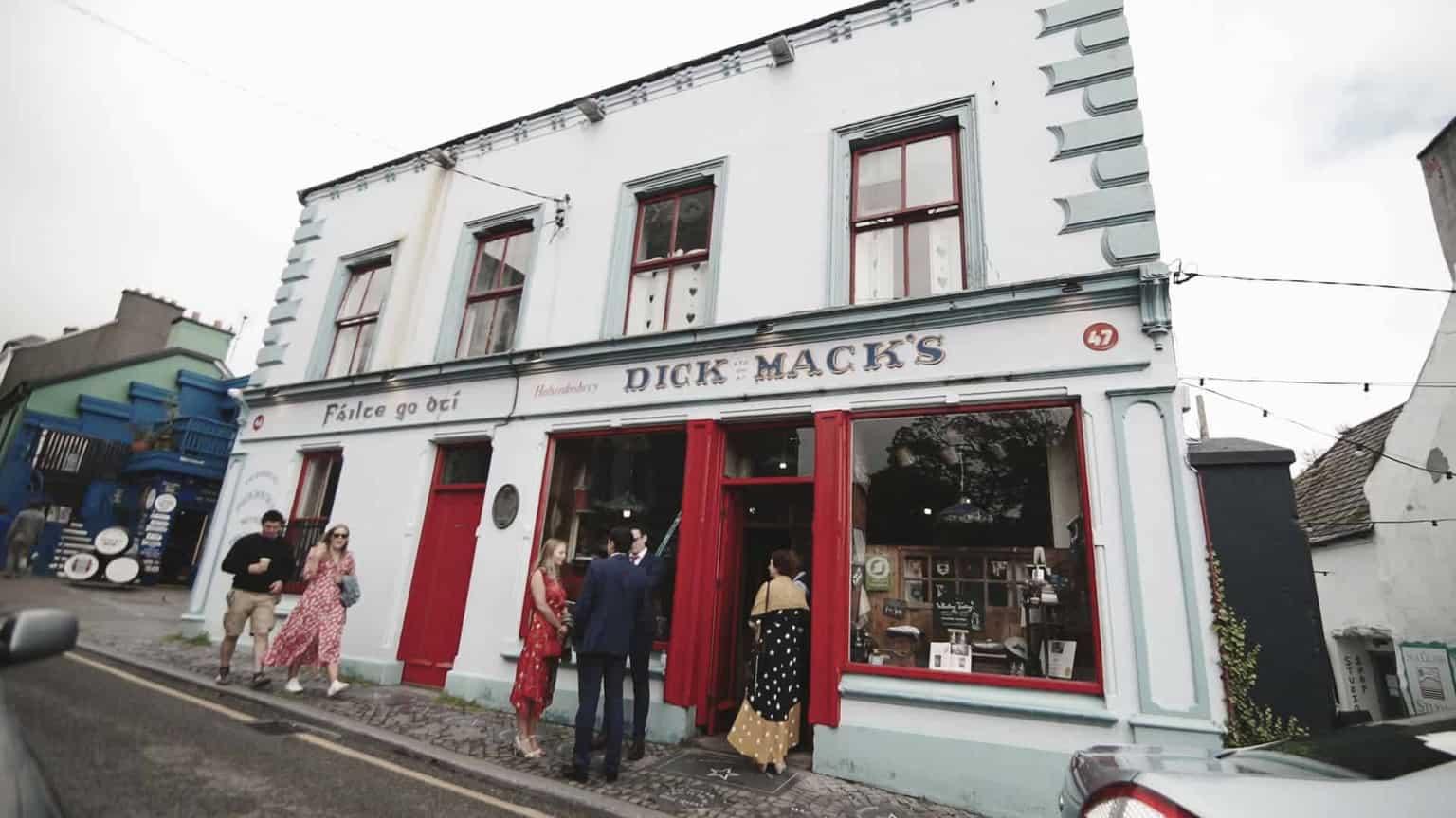 Dick Macks pub in dingle