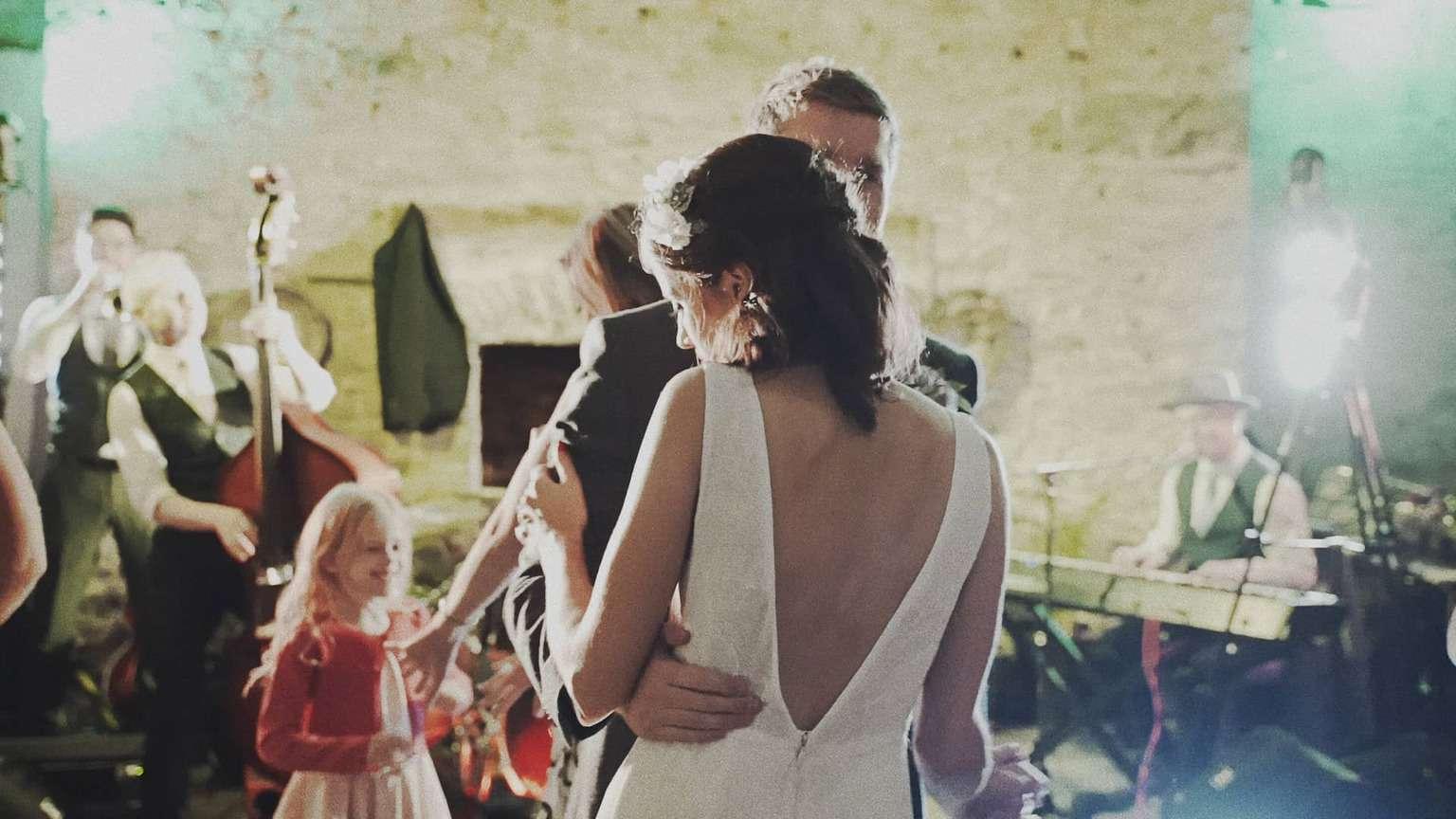 bride and groom dancing first song in Cloughjordan