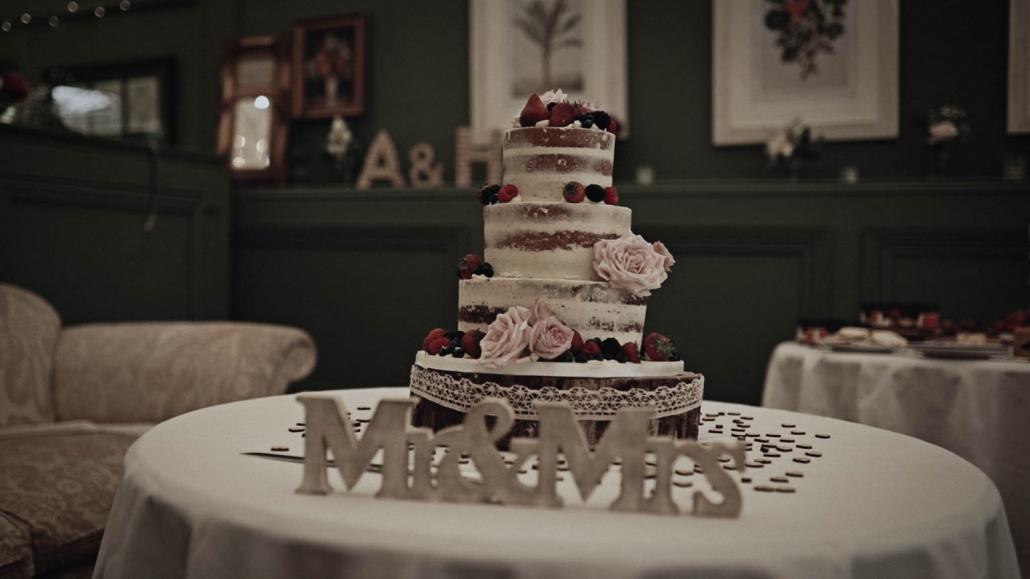 Wedding cake in Tinakilly House marque