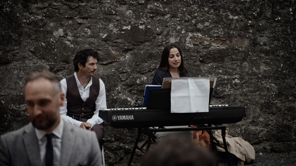 wedding singer signing song