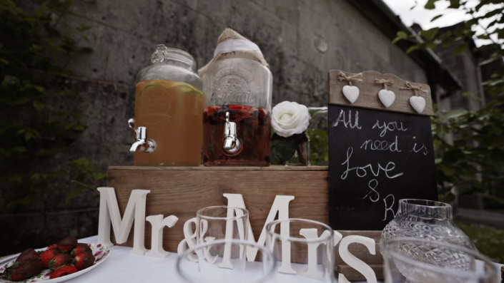refreshment for wedding guest