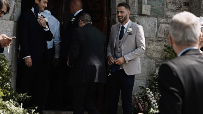 Aodhan is welcoming wedding guest
